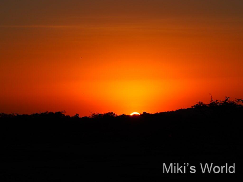 タンザニアの朝日