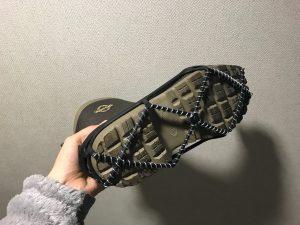 大雪の翌朝に、滑り止めを長靴に付け、思ったこと