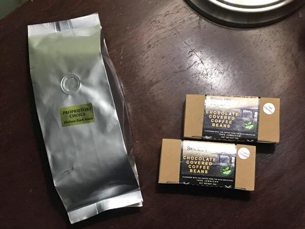 ジャマイカのお土産 ブルーマウンテンコーヒーとビーンズチョコとラム