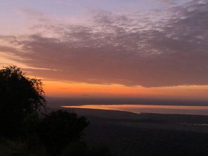 アフリカ 暑いだけのイメージは危険! 朝晩冷えるのがアフリカ 防寒具必須