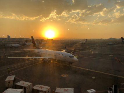 海外旅行トラブル 飛行機乗り継げなかったら どうしたらいいのか?